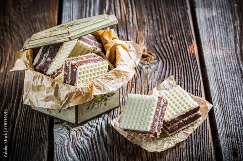 Sweet wafers with chocolate and hazelnut - 79714535