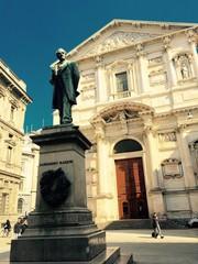 Milano, Piazza San Fedele e Monumento Alessandro Manzoni