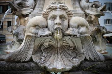 Roma. Fontana di piazza della Rotonda. Mascherone
