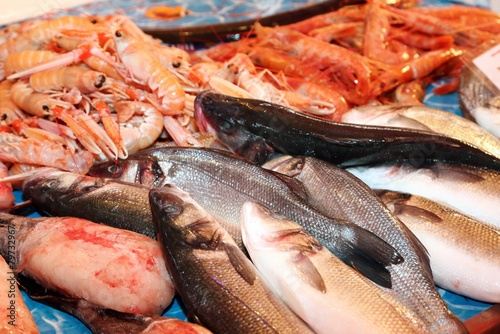 Keuken foto achterwand Boodschappen fresh saltwater fish for sale in fish market in southern Italy