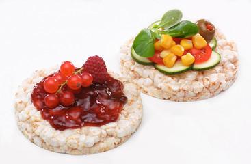 Tartine di verdura e frutta