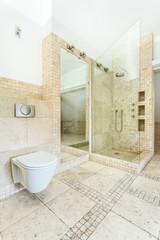 Granitic floor in barthroom