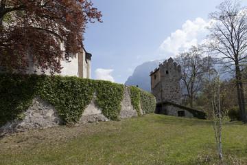 Mura perimetrali, Castel Presule