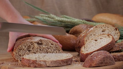 Cutting bread from wholemeal varieties