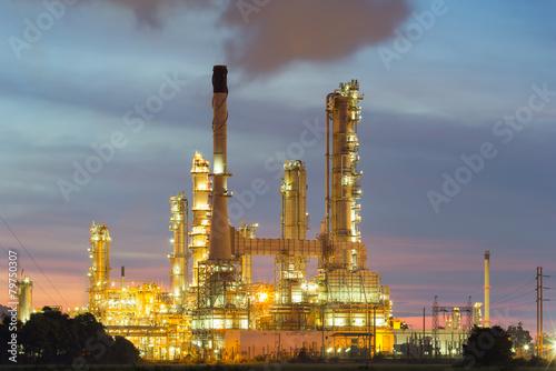 Staande foto Industrial geb. Oil refinery