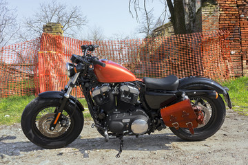 Moto Custom su Strada 48