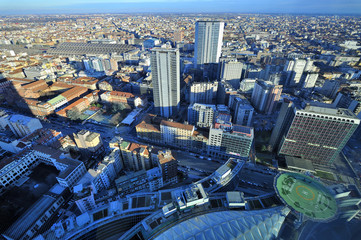 Milano dall'alto - grattacielo Pirelli e stazione centrale