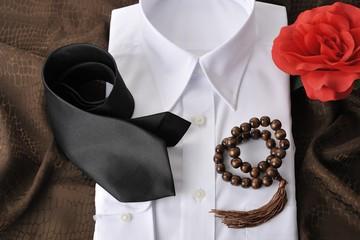 白いシャツとお葬式