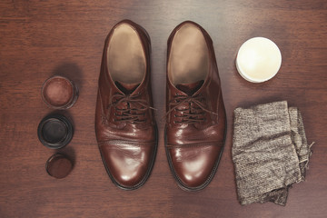 Formal business men leather shoes shining