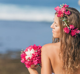 Bride traveling to Hawaii