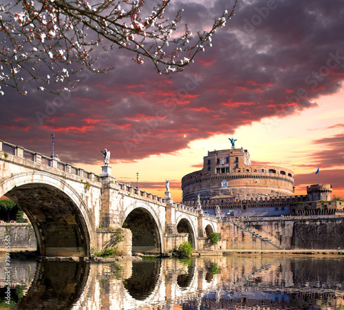Obraz na Szkle Angel Castle with bridge on Tiber river in Rome, Italy