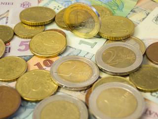 euro currency above leu