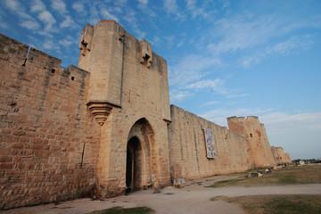 aigus mortes camargue francia mura del castello