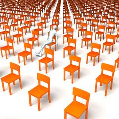 Wartender, Patient, gelangweilt in riesiger oranger Stuhlgruppe