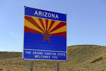 Arizona state welcome sign on interstate highway, USA