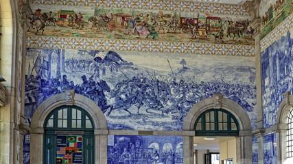 S. Bento railway station