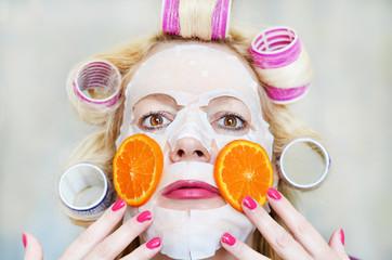 Косметическая маска для лица.