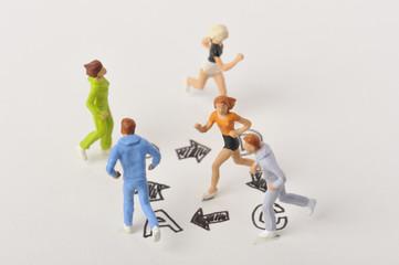 PDCAを囲んで走り回っている人達