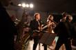 Saxophon mit Band auf Bühne - 79838395