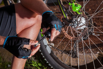 Mountainbike Luftdruckkontrolle