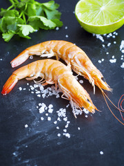 Shrimps with parsley and lime