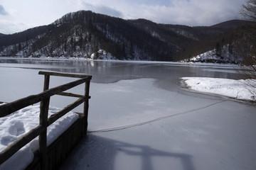 plitvicka jezera under ice and snow