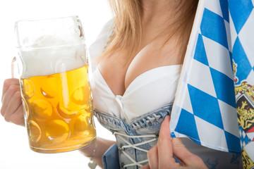 Bayrisches Dekolleté mit Bier