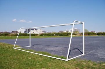 網のないサッカーゴール