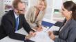 Vorstellungsgespräch oder Business Meeting: drei Personen