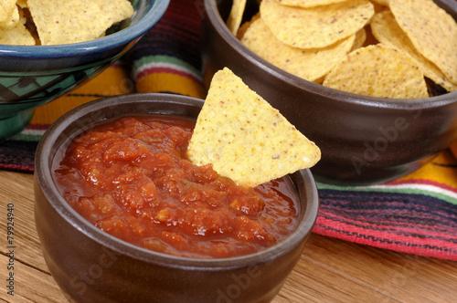 Keuken foto achterwand Mexico Mexican nachos with salsa