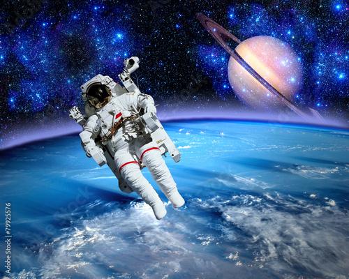 Astronaut Spaceman Saturn Planet - 79925576