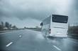 mauvais temps pluie autoroute - 79944971