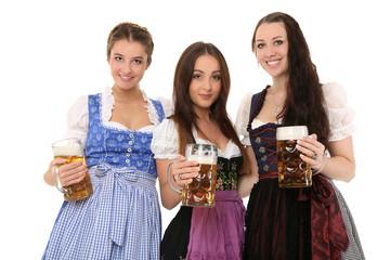 drei hübsche Mädchen in Tracht