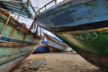 Italy, Sicily, Portopalo di Capo Passero, fishing boats ashore