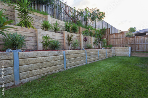 Foto op Canvas Tuin Retaining wall