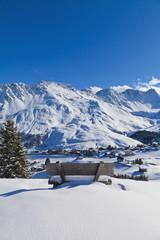 Schweiz, Ansicht der Bank im Schnee