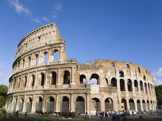 Italien, Rom, Kolosseum und Touristen