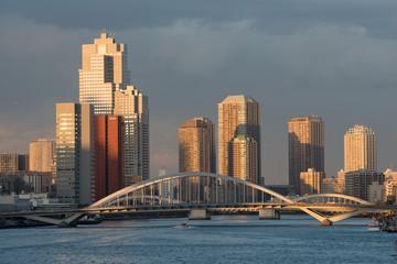 黄昏の築地大橋