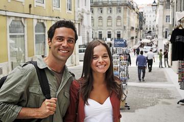 Portugal, Lissabon, Baixa, Rossio, Porträt des jungen Paares