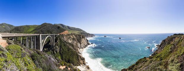 USA, Kalifornien, Big Sur, Pacific Coast National Scenic Byway, Bixby Creek Bridge, California State Route 1, Highway 1, Panorama