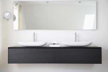 Deutschland, Köln, Badezimmer Waschbecken