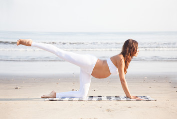 Pregnancy Yoga - Workout on the beach