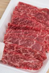 焼肉用の牛カルビ肉