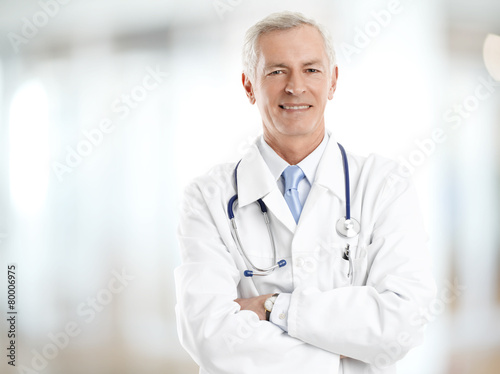 Male doctor portrait - 80006975
