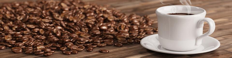 Frische Tasse Kaffee mit vielen Kaffeebohnen © Robert Kneschke