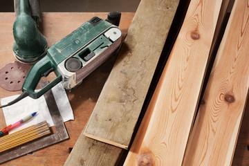 DIY, sanding old wooden planks