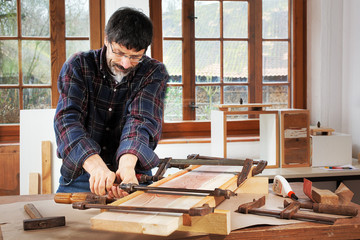 DIY, jointing old wooden planks with glue