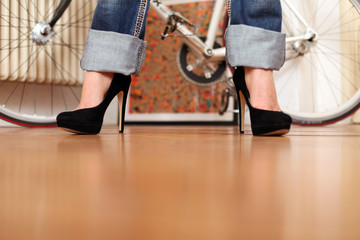 Jeans und Heels