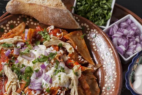 Tuinposter Mexico Chilaquiles de Pollo