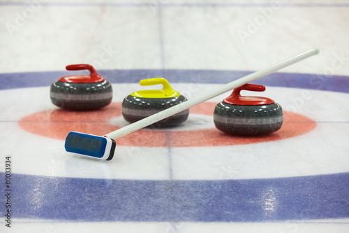 Aluminium Stadion Curling rocks on ice